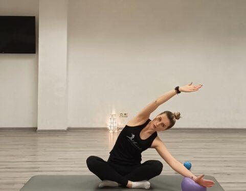 Interviu su kineziterapeute Evelina. 3 patarimai: kaip išvengti nugaros skausmų?