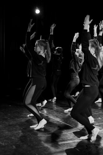 Šokėjų repeticijos teatro scenoje